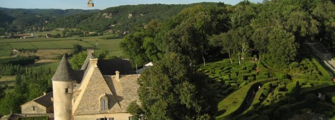 Montgolfière au château de Marqueyssac en Dordogne