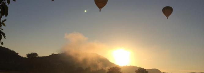 Le Périgord vu de la nacelle d'une montgolfière