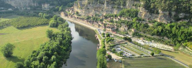 Survol de La Roque Gageac et de la Rivière Dordogne
