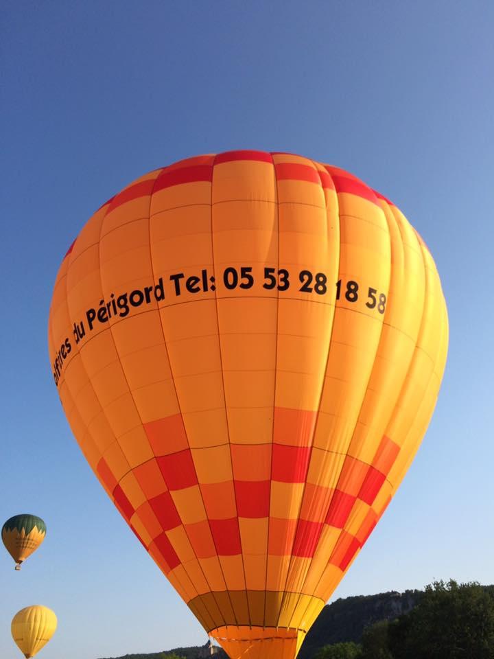 Photo de notre nouvelle toile de montgolfière en Dordogne
