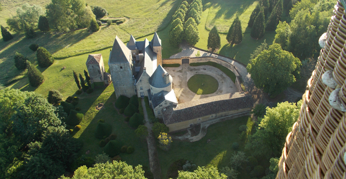 Photo vue sur château en Dordogne
